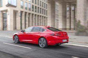 Top-Technologien, Top-Design: Der neue Opel Insignia erobert die Herzen der Kunden. Er wurde bereits mehr als 50.000 Mal bestellt