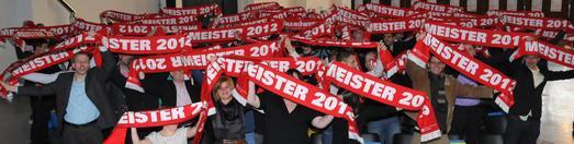 In bester Feierlaune präsentierten sich die Jungmeisterinnen und Jungmeister in der Volksbankmesse Balingen