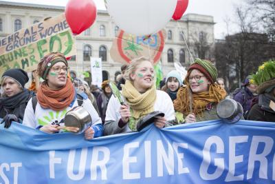 """""""Wir haben es satt!""""-Demonstration / Quellenangabe: Fabian Melber, www.wir haben es satt.de"""