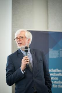 Staatsrat Gerd-Rüdiger Kück bei seiner Ansprache / Fotograf: Shuvo Sarkar