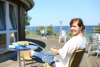 Die Jugendherberge Dahme verwöhnt ihre Gäste mit entspannenden Kursen und einem herrlichen Blick auf die Ostsee