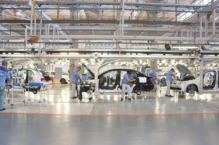 Die gute Stimmung hat ihren Preis – die Herstellkosten sind in Brasilien sehr hoch. (Im Bild: VW-Werk in Taubaté). Foto: Volkswagen