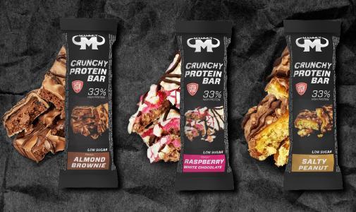 Die neuen Mammut Crunchy Protein Bars in den 3 leckeren Sorten Almond Brownie, Raspberry White Chocolate und Salty Peanut.