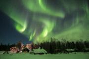 Nordlichter über einem großen See in Lappland - mystisch und faszinierend  (c) fintouring, Klaus-Peter Kappest