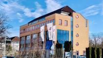 KOBIL Systems GmbH erneuert die langjährige Förderung der Hochschule Worms (Foto: Kobil)