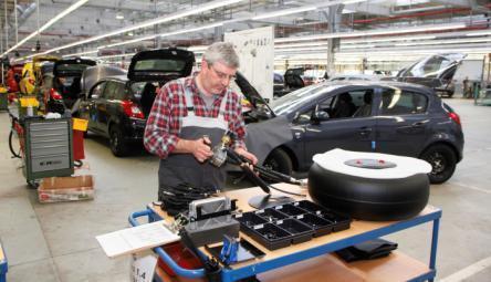 Autogas ab Werk von Opel: Die LPG-Ausstattung ab Werk hat gegenüber Nachrüstlösungen wichtige Vorteile. So genießt zum Beispiel das Thema Sicherheit bei den Werksentwicklungen einen hohen Stellenwert.