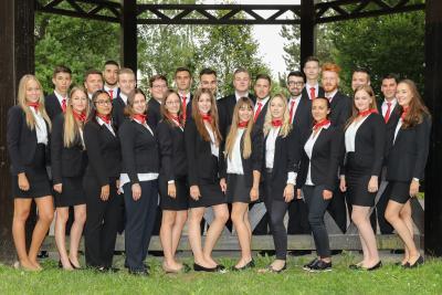 25 neue Auszubildende haben jetzt bei der Taunus Sparkasse ihre Ausbildung begonnen