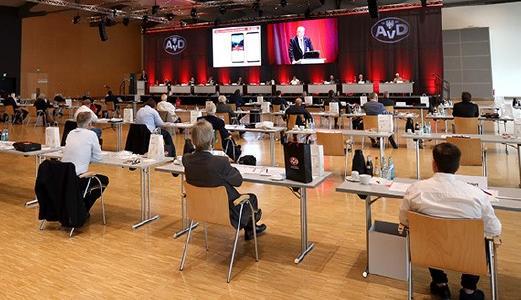 Die Verhandlungen der Jahreshauptversammlung des Automobilclub von Deutschland e. V. fanden unter Berücksichtigung der aktuell geltenden Abstandsregeln in einem Saal des Frankfurter Messe-Zentrums statt und verliefen in konstruktiver und einvernehmlicher Atmosphäre.