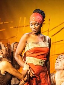 AIDA Isata Kamara spielt die Aida