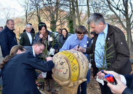 … auf dem sich alle Gäste am Ende der in jeder Hinsicht gelungenen Veranstaltung verewigten.  (Foto: Achim Zielke für INTHERMO, Ober-Ramstadt; www.inthermo.de)