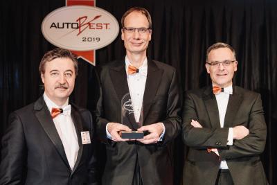 Dan Vardie Michael Lohscheller Xavier Duchemin  / Opel Automobile GmbH
