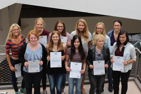 Osnabrücker Schülerinnen informierten sich beim MINT for Girls-Programm an den Osnabrücker Hochschulen und bei Volkswagen Osnabrück über ihre beruflichen Chancen in Mathematik, Informatik, Naturwissenschaft und Technik