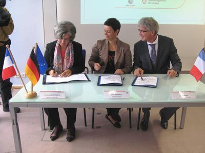 von links. : Christine Groß-Herick, Ivane Squelbut, Ingo Zenkner