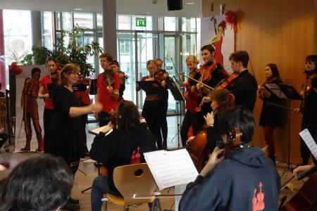 Stadtstreicher bedanken sich mit Konzert bei Landenberger Schülern(Foto: Annett Olbrich)