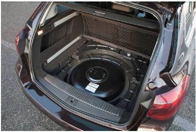 Opels maßgeschneidertes LPG-System beinhaltet auch eine intelligente Lösung für den 42 Liter großen Gasvorrat. Der Tank ist in der Reserveradmulde untergebracht und schränkt so weder den Platz im Passagierabteil noch die Kapazität des großzügigen Gepäckraums ein. Reifenreparatursets sind Standard in allen LPG-Fahrzeugen