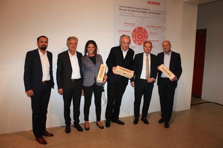 v.l.n.r. Stefan Rubner, Norbert Lantschner, Chiara Tonelli, Werner Sobek, Werner Volgger, Georg Binder / Bild: Rubner Haus