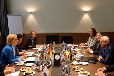 Bundesministerin Julia Klöckner und der rumänische Landwirtschaftsminister Petre Daea / Bildquelle: BMEL/Wernicke