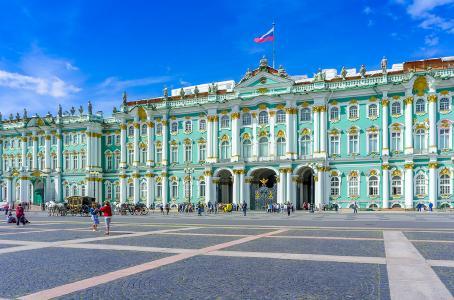 In St. Petersburg und Moskau gibt es unzählige Prunkbauten zu bestaunen