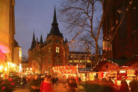 Lamberti-Kerstmarkt Oldenburg (Foto: Oldenburg Tourismus und Marketing GmbH)