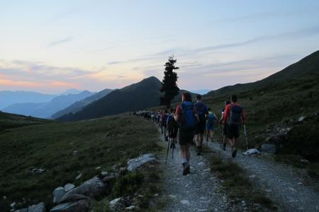 Wenn sich der Wandertag neigt, kommen die Stirnlampen zum Einsatz / © Wildschönau Tourismus