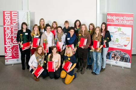 Sind in ihren technischen Fähigkeiten bestätigt worden: Die Teilnehmerinnen des Niedersachsen-Technikums. Foto: Aileen Roge