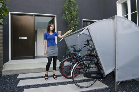 mini garage sicherer stellplatz f r fahrrad und co immowelt ag pressemitteilung. Black Bedroom Furniture Sets. Home Design Ideas