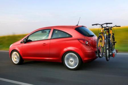 Jubiläumsmodell zu 20 Jahren Opel in den neuen Bundesländern: Der Corsa Edition Eisenach hat serienmäßig den innovative Fahrradträgersystem FlexFix® an Bord