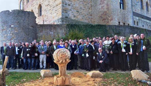 Mit mehr als 120 Gästen feierte der ökologisch orientierte WDVS-Anbieter INTHERMO sein zehnjähriges Bestehen in Neustadt a.d.W. auf dem Hambacher Schloss.  (Bildquelle: INTHERMO, Ober-Ramstadt; www.inthermo.de)