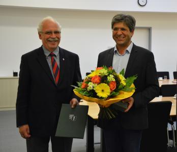 (v.l.): Dr. med. Gottfried von Knoblauch zu Hatzbach und Prof. Dr. med. Sebastian Harder (Foto: Katja Kölsch)