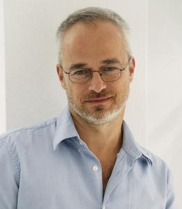 Sven Sommer ist mit 1,5 Millionen verkauften Ratgeber-Büchern einer der erfolgreichsten Homöopathie-Autoren überhaupt.