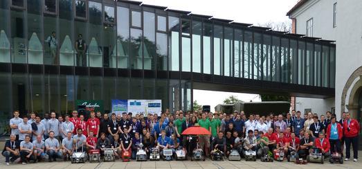 18 Teams aus neun Ländern präsentierten ihre Weltroboter beim Field Robot Event 2015 in Slowenien. Mit dabei war auch das 8-köpfige Team der Hochschule Osnabrück.