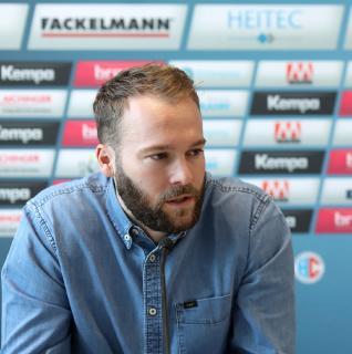 (Jocki_Foto, Erlangen) Kevin Schmidt, Sportlicher Leiter HC Erlangen: Wetzlar ist daheim stark