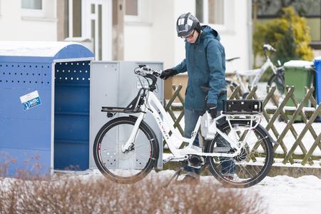 Radfahren im Winter: Akkus bauen ab, LED-Licht wird heller / Bildquelle:  www.pd-f.de / Kay Tkatzik