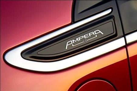 Opel öffnet ein neues Kapitel in der Geschichte der Mobilität und löst ein Versprechen ein: Der revolutionäre, elegant gestylte und gleichzeitig voll alltagstaugliche Ampera ist Europas erstes Elektroauto für grenzenlose Mobilität. Die ersten Fahrzeuge aus der Serienproduktion gehen noch vor Jahresende in den Handel