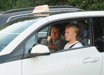 Eine gute Fahrausbildung ist eine Grundvoraussetzung für die sichere Teilnahme am motorisierten Verkehr (Bild: Guido Rosemann, BASt)