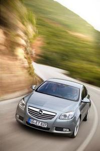 Weitere Insignia-Versionen mit Opel SuperSport-Chassis