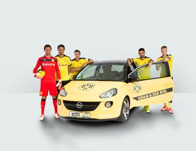 Mannschaftsfoto: Torwart Roman Weidenfeller und seine Dortmunder Teamkollegen Mats Hummels, Erik Durm, Opel ADAM, Ilkay Gündogan und Marco Reus. Foto Adm Opel AG