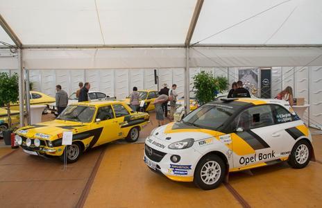 Europameister-Duo: Der Ascona A , Europameister 1974, und der jüngste Spross in der Opel-Europameister-Familie, der ADAM R2, der gerade die FIA ERC Junior Rallye-Europameisterschaft für die Marke mit dem Blitz gewann © GM Company