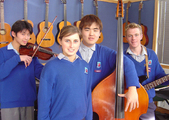 Internationale High School-Schüler beim Musikunterricht in Neuseeland