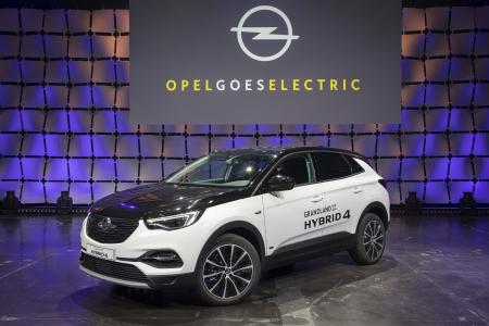 From €399 per Month: Opel Grandland X All-Wheel Drive Plug-In Hybrid
