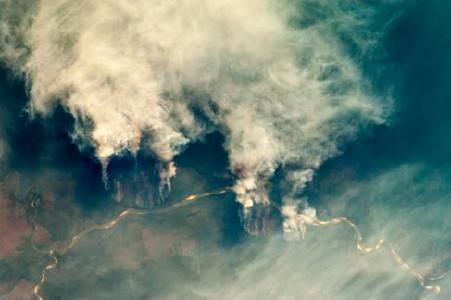 Brandrodung am Rio Xingu, Brasilien. Bild mit freundlicher Genehmigung des Image Science & Analysis Laboratory, NASA Johnson Space (Center / Wikimedia Commons)