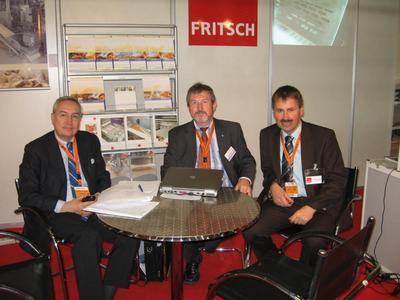 (from left to right):FRITSCH and REIMELT sales representative Faruk Avunduk, REIMELT Area Sales Manager Hans-Werner Kunz, and FRITSCH Area Sales Manager Johannes Rustler