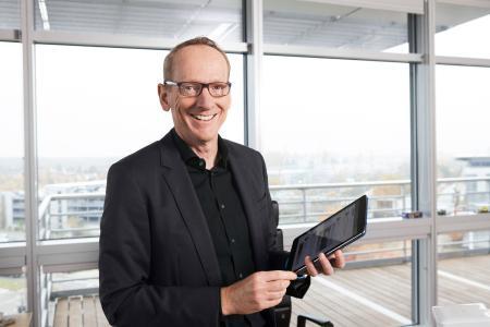 """Opel-Chef Dr. Karl Thomas Neumann: """"Unser Ziel ist es, am Hessentag die Mobilität in all ihren Facetten zu zeigen"""""""
