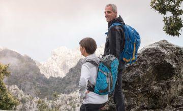 Auf Mallorca geht es bequem vom Rand der Tramuntana-Berge bis zum Strand von Es Trenc