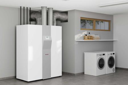 Wärmepumpe, Lüftung, Warmwasserspeicher: alle notwendigen Haustechnik-Komponenten für das Einfamilienhaus sind mit der LWZ auf kleinstem Raum vereint.