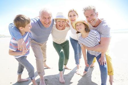 Rückenschmerzen - (K)eine Frage des Alters! / Foto: © goodluz/ AGR