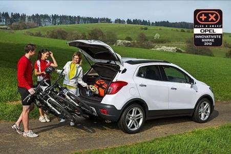 Der neue Opel Mokka mit der zweiten Generation des FlexFix Fahrradträgersystems