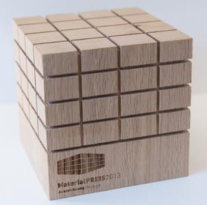 Der Bioboden PURLINE von  wineo® hat seit seiner Markteinführung 2012 inzwischen vier Auszeichnungen in Folge erhalten: Materialpreis der raumPROBE 2013 in der Kategorie Ökologie,   Interior Innovation-Award 2014,  Retail Trend Produkt 2014 und den roomy-Award 2014 / Windmöller/ wineo®