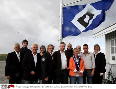 Die nordsee* Schleswig-Holstein zeigt Flagge für den HSV