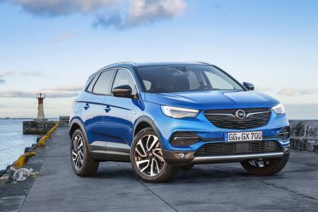 Dem Winter die kalte Schulter zeigen: Mit den zahlreichen Sicherheits- und Komfort-Features, die Opel-Modelle wie der neue Grandland X im Repertoire haben